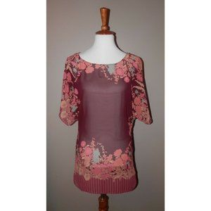 Top Burgundy Short Sleeve Floral Chain Back Lace